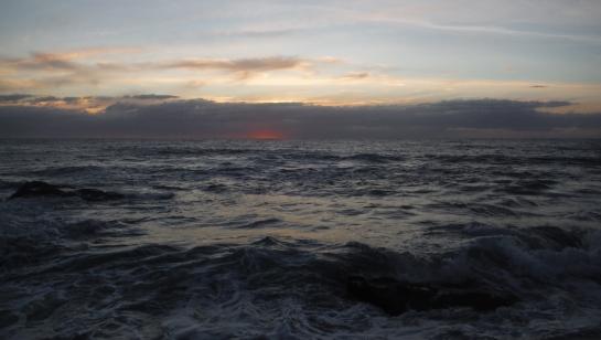 Turbulent pre-dawn at Wreck Rock